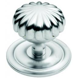 ROYALE CENTRE DOOR KNOB