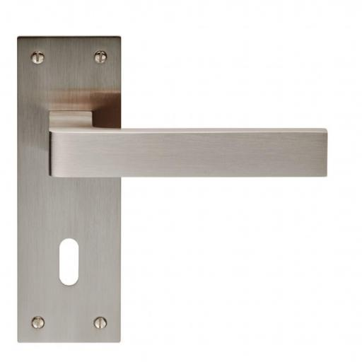 Sasso - Lever on Backplate Satin Nickel